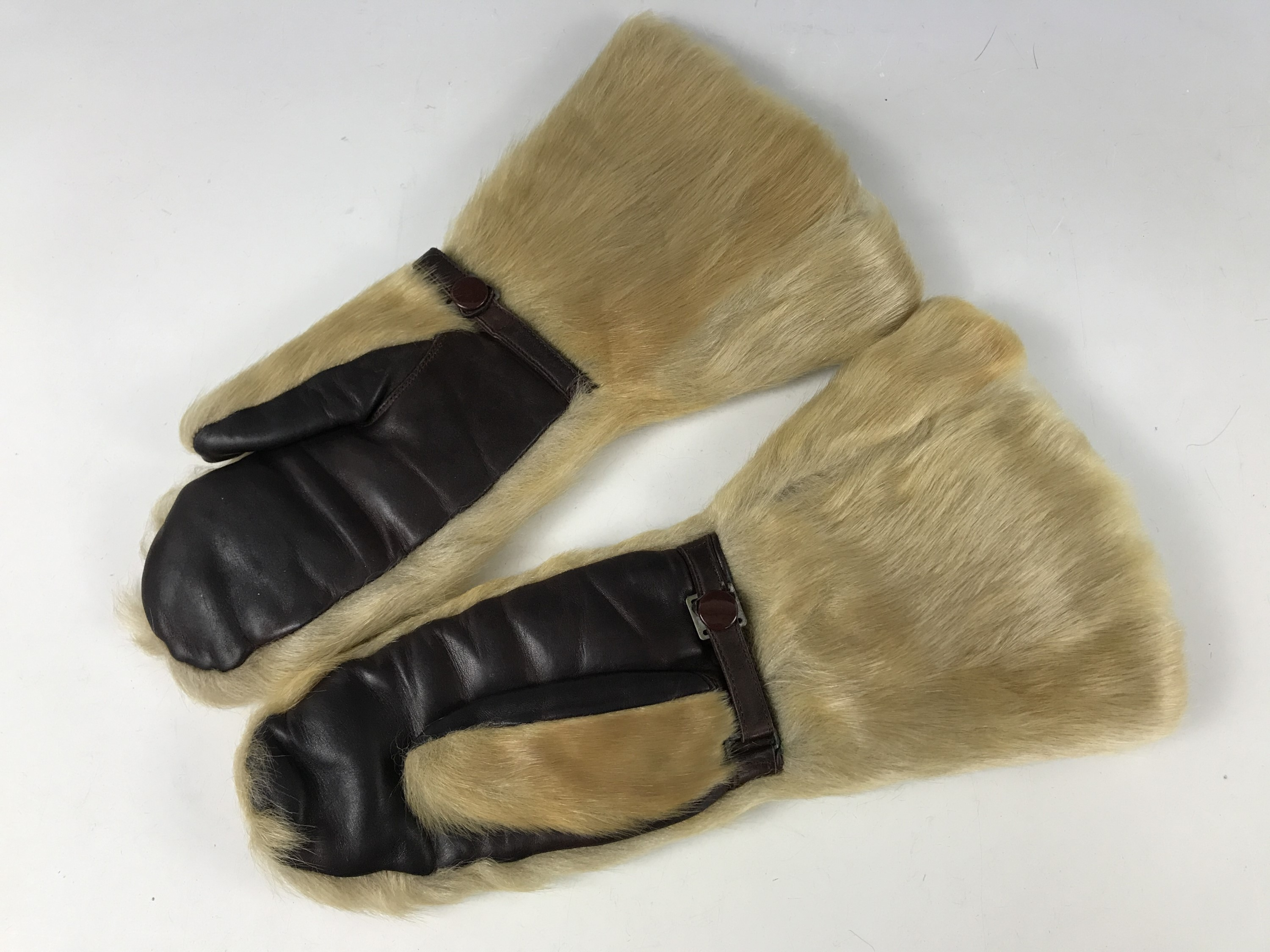 Lot 60 - A pair of early 20th Century fur driving / flying mittens