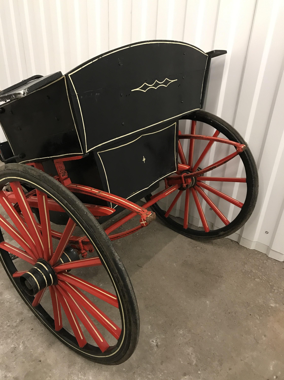 Lot 6 - A restored Victorian pony / horse trap