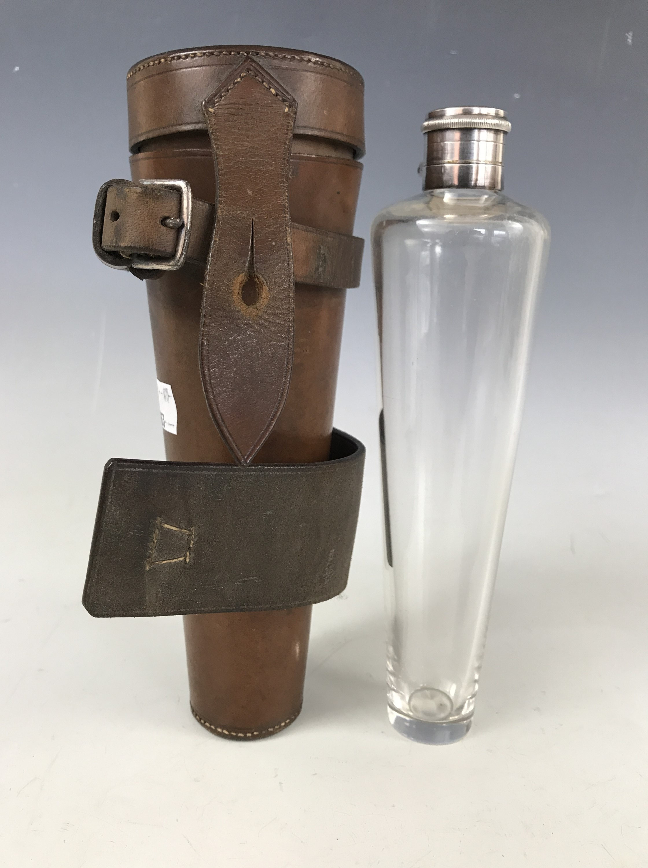 Lot 11 - A late 19th / early 20th Century Harrods riding flask and sandwich box, in electroplate and glass,
