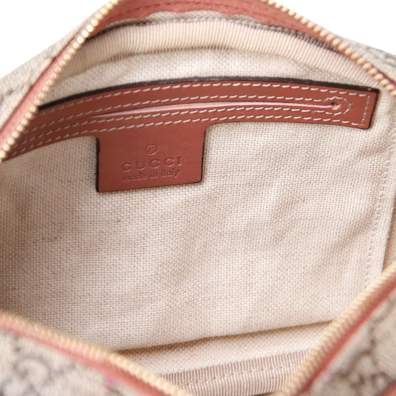 Lot 18 - GUCCI Umhänge-Pochette.NP. ca.: 450,-€. Zeitlsoes Format aus beschichtetem Canvas mit Guccissima-