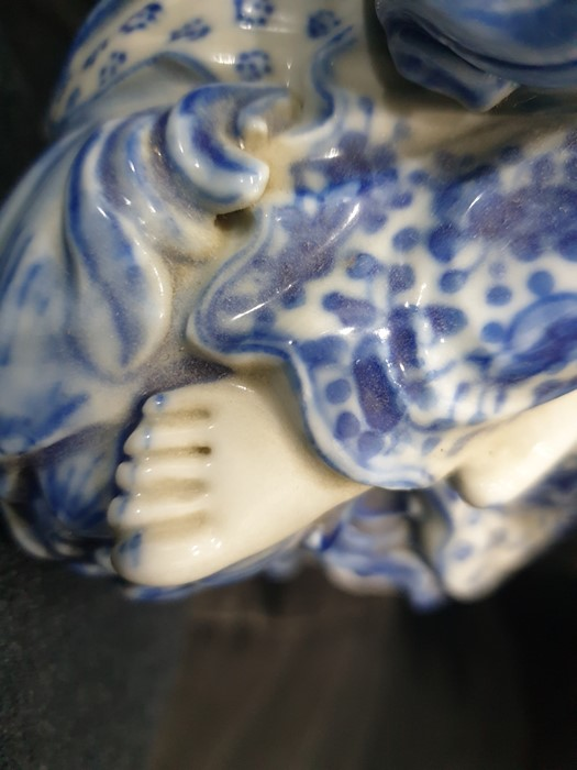 Chinese porcelain blue and white figure of a guanyin on a pierced wooden lotus leaf base, - Image 14 of 14