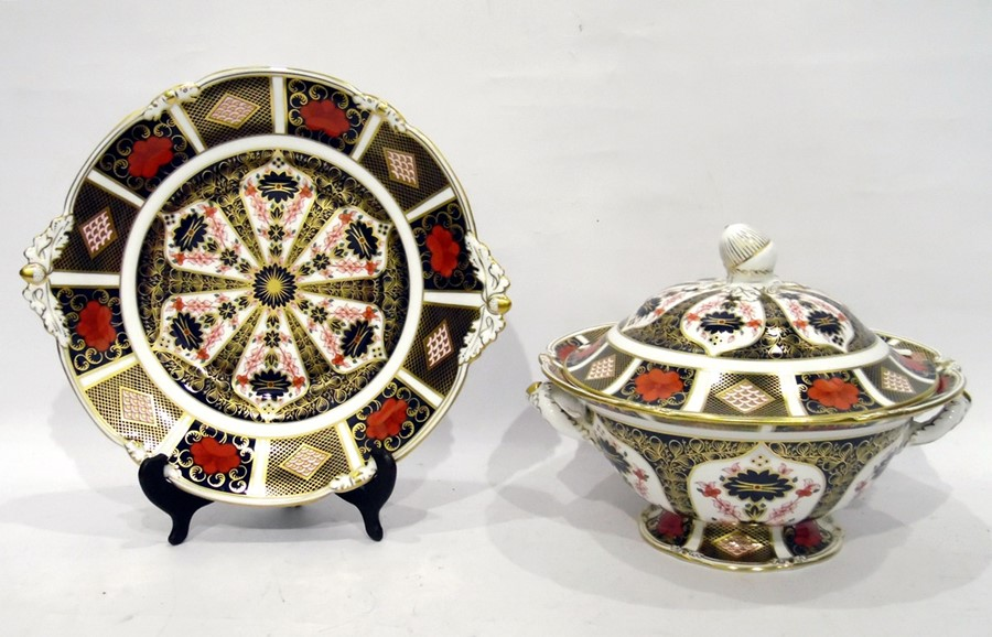 Royal Crown Derby Old Imari pattern soup tureen cover and stand number 118 dated 2003 tureen with