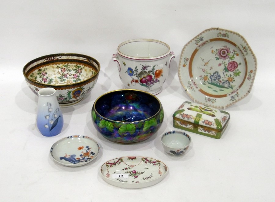 Various items of Chinese, English and Continental porcelainto include a Chinese export octagonal