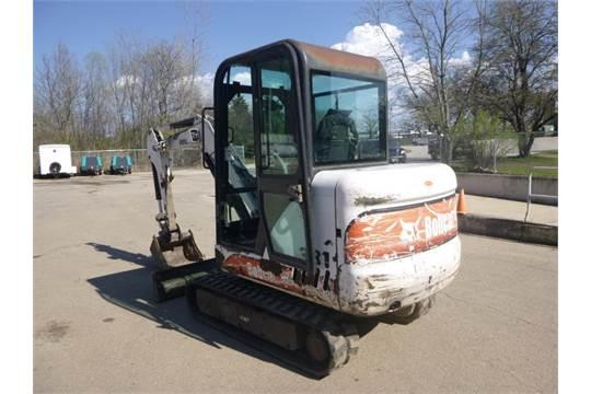 Bobcat Mini Excavator Model 331 S/N232513579 10 ft , 40 HP, Bucket
