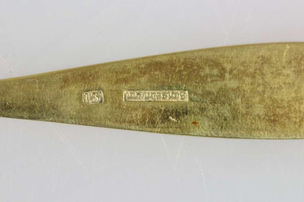 12 Moccalöffel, gestempelt 13 Lot, vergoldet, Herstellerzeichen: Loch, L.: 13,8 cm, Gewicht: ca. 137 - Bild 3 aus 3