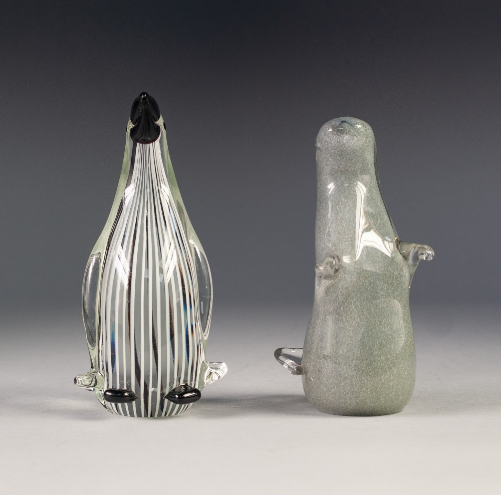 Lot 44 - MURANO GLASS MODEL OF A STYLISED PENGUIN IN THE STYLE OF DINO MARTENS FOR AURELIO TOSO, threaded