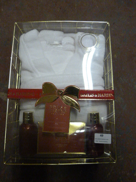 Lot 49 - *Baylis & Harding Gift Set with Dressing Gown