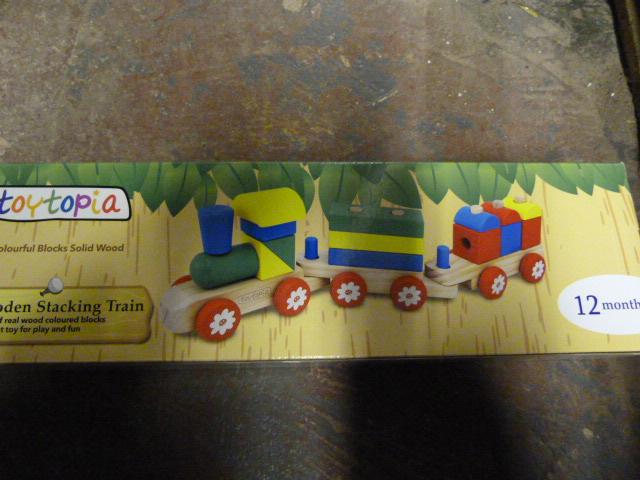 Lot 220 - *Toytopia Wooden Stacking Train
