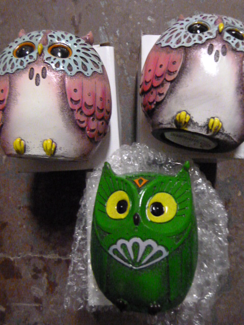 Lot 41 - *Three House of Marbles Owl Money Boxes