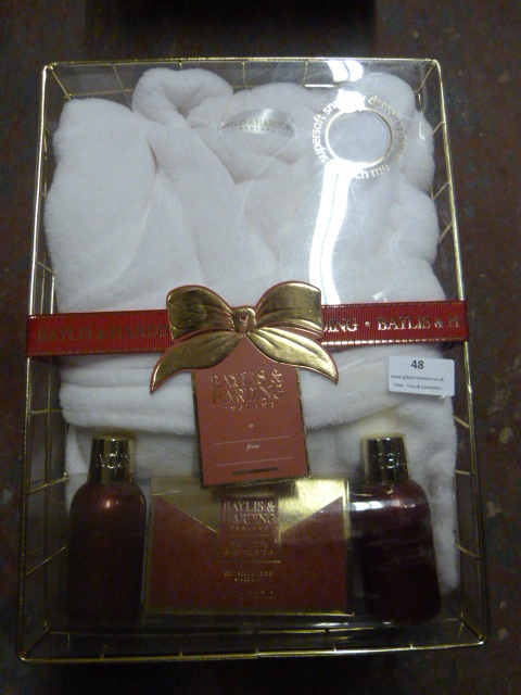 Lot 48 - *Baylis & Harding Gift Set with Dressing Gown