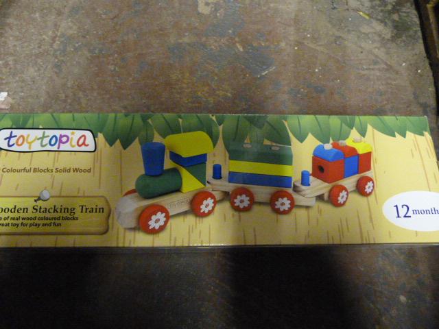 Lot 222 - *Toytopia Wooden Stacking Train