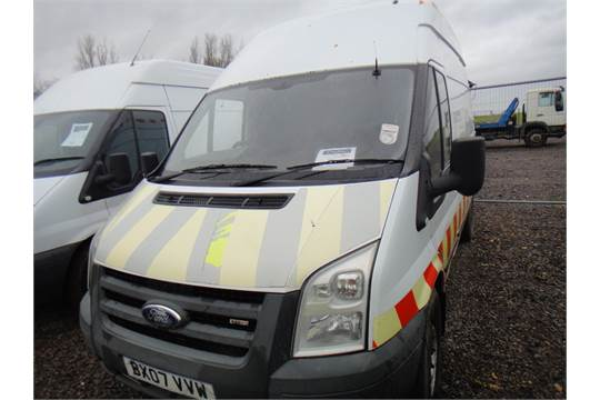 Ford Transit 350 MWB Van with High Roof, Compressor & Generator