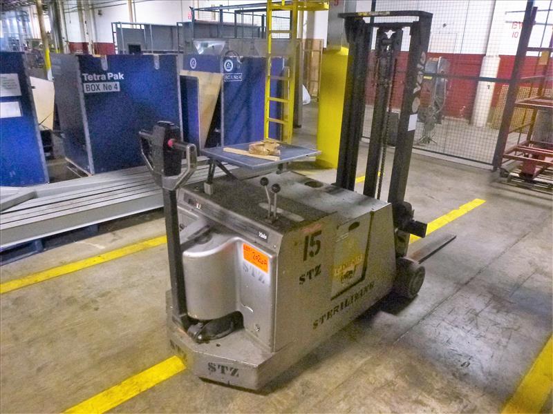 Yale walk-behind fork lift truck, mod. MCW030LCN12TV072, ser. no. B819N02421W, 12V electric, 3000