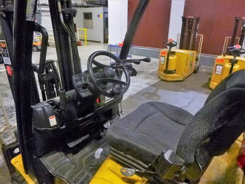 Yale fork lift truck, mod. GLC060VXNSEE085, ser. no. A910V14300G, LPG, 5500 lbs cap., 181 in. lift - Image 3 of 4