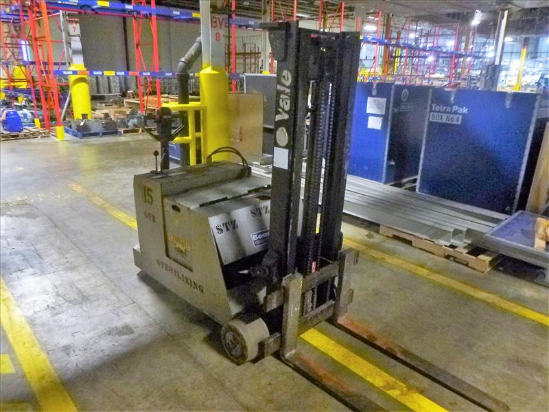 Yale walk-behind fork lift truck, mod. MCW030LCN12TV072, ser. no. B819N02421W, 12V electric, 3000 - Image 2 of 3
