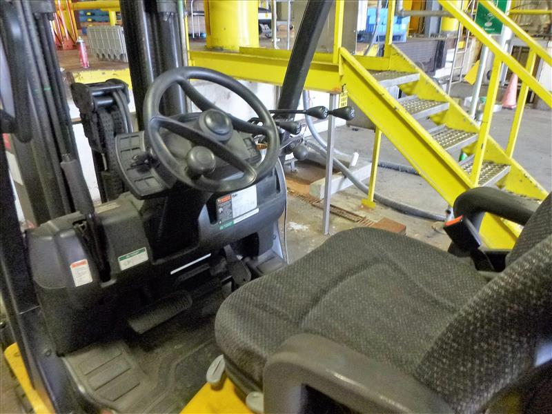 Yale fork lift truck, mod. GLC060VXNDSE085, ser. no. C910V01883N, LPG, 5500 lbs cap., 181 in. lift - Image 3 of 4