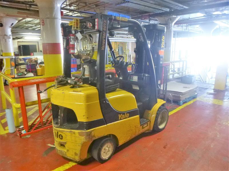 Yale fork lift truck, mod. GLC060VXNDAQ084, ser. no. C910V01937N, LPG, 4000 lbs cap., 240 in. lift - Image 2 of 4