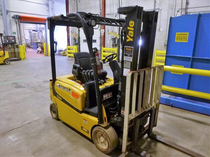 Yale fork lift truck, mod. ERP040VFN48TE082, ser. no. A955N03067P, 48V electric, 3700 lbs cap.,