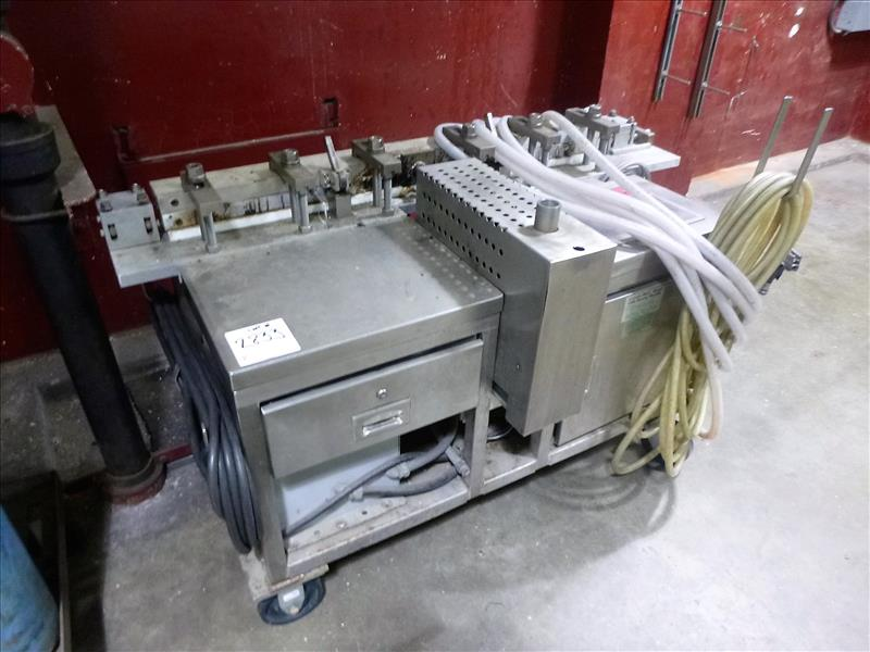 Lot 2833 - Extruda-Mold s/s cable splicing machine [2nd Floor]