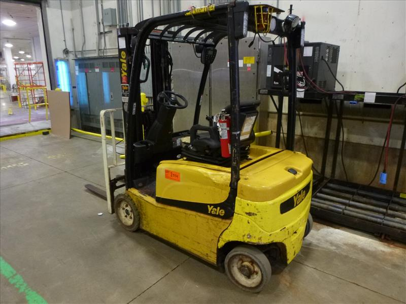 Yale fork lift truck, mod. ERP040VFN48TE082, ser. no. A955N01645J, 48V electric, 3700 lbs cap., - Image 2 of 4