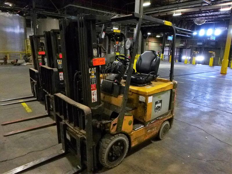Caterpillar fork lift truck, mod. EC25K, ser. no. A3EC230463, 48V electric, 4450 lbs cap., 188 in.