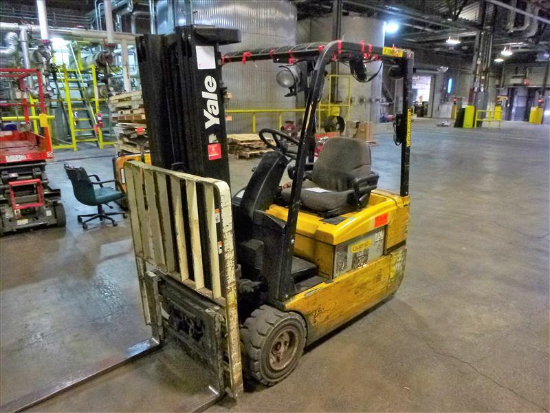 Yale fork lift truck, mod. ERP040VTHN48TE078, ser. no. F807N03990D, 48V electric, 3700 lbs cap., 175