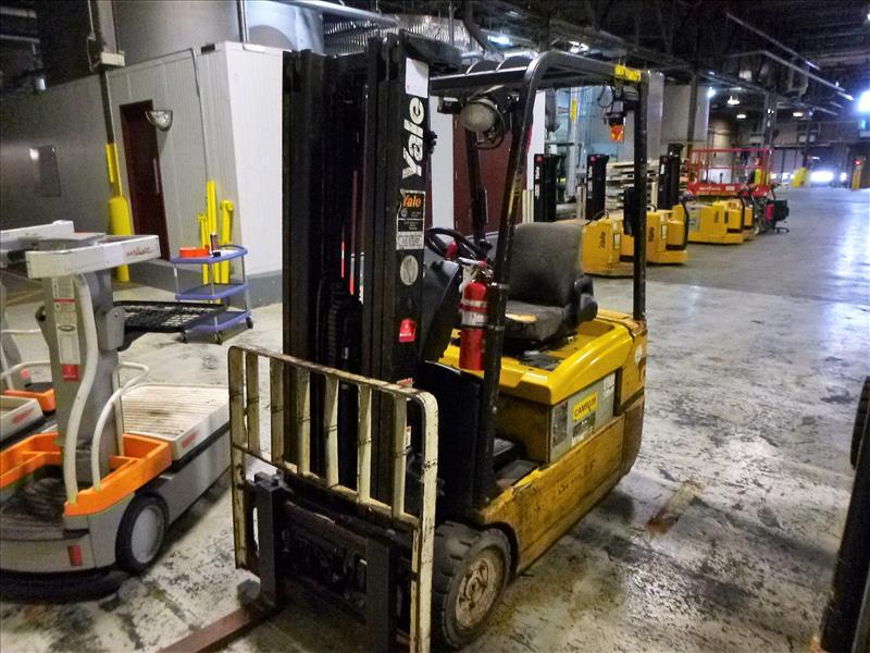 Yale fork lift truck, mod. ERP040VTHN48TE082, ser. no. F807N06010F, 48V electric, 3800 lbs cap., 187