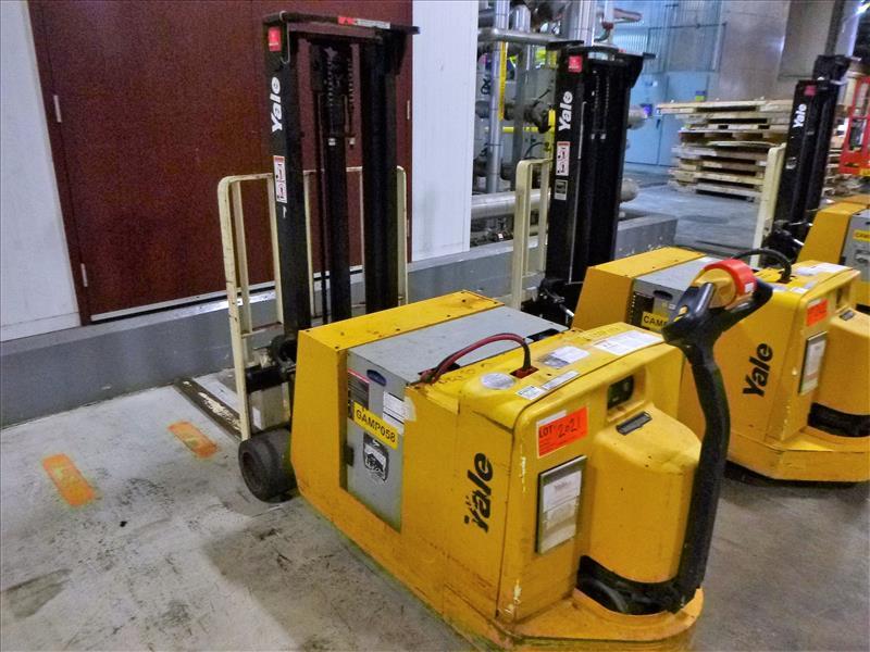 Yale walk-behind fork lift truck, mod. MCW030LEN24TV072, ser. no. C819N02805N, 24V electric, 3000