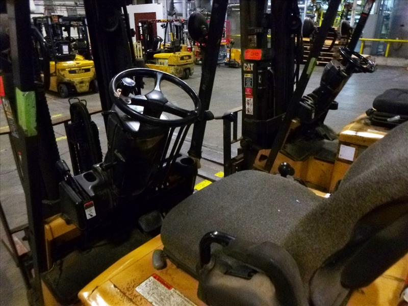 Caterpillar fork lift truck, mod. EC25K, ser. no. A3EC230462, 48V electric, 4450 lbs cap., 188 in. - Image 3 of 4