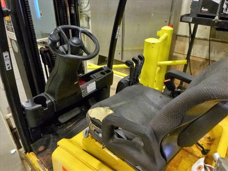 Yale fork lift truck, mod. ERP040VFN48TE082, ser. no. A955N01645J, 48V electric, 3700 lbs cap., - Image 3 of 4