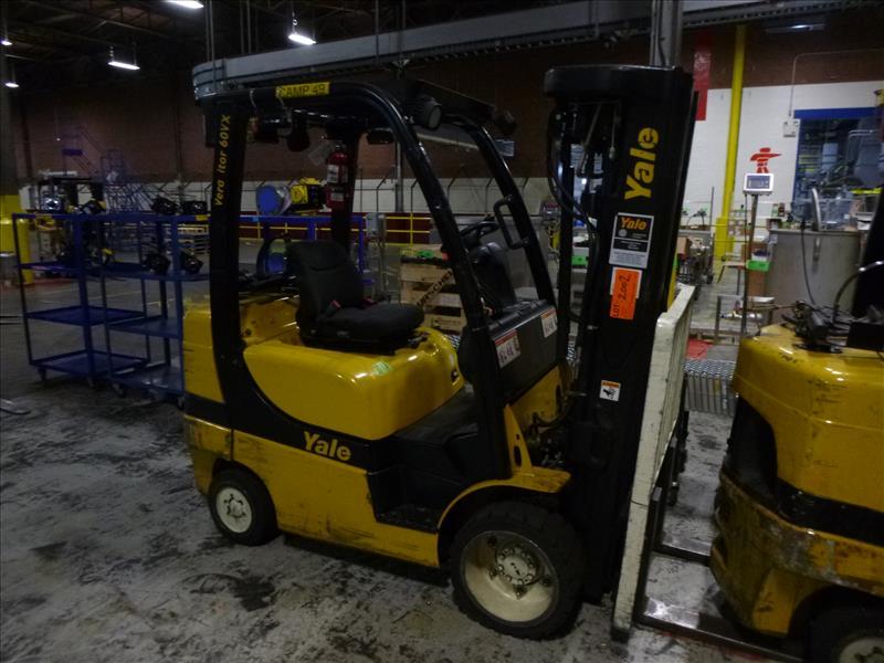 Yale fork lift truck, mod. GLC060VXNVSQ084, ser. no. A91V15562G, LPG, 4000 lbs cap., 240 in. lift