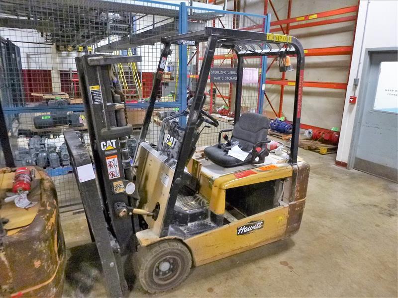 Caterpillar fork lift truck, mod. EC20KT, ser. no. ETB5B52166, 48V electric, 3750 lbs cap., 159