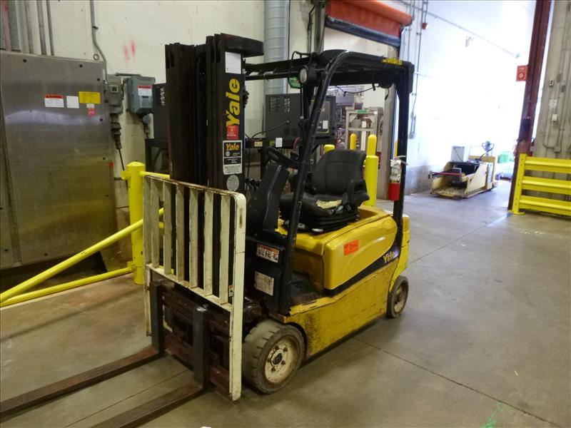 Yale fork lift truck, mod. ERP040VFN48TE082, ser. no. A955N01645J, 48V electric, 3700 lbs cap.,