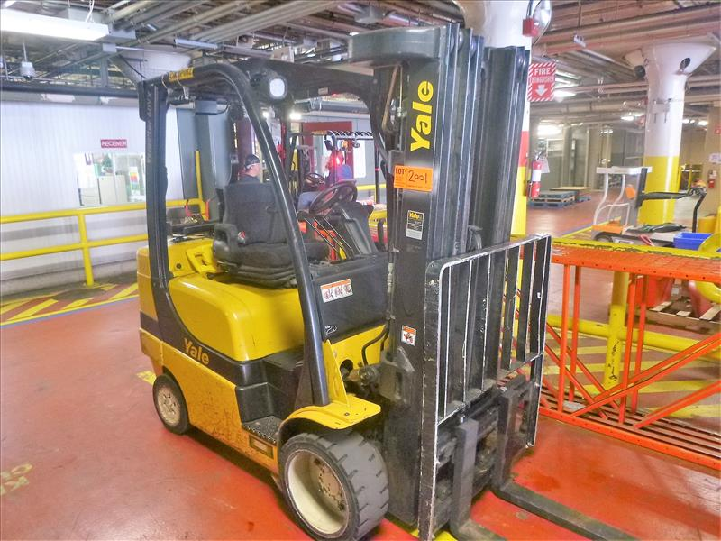 Yale fork lift truck, mod. GLC060VXNDAQ084, ser. no. C910V01937N, LPG, 4000 lbs cap., 240 in. lift