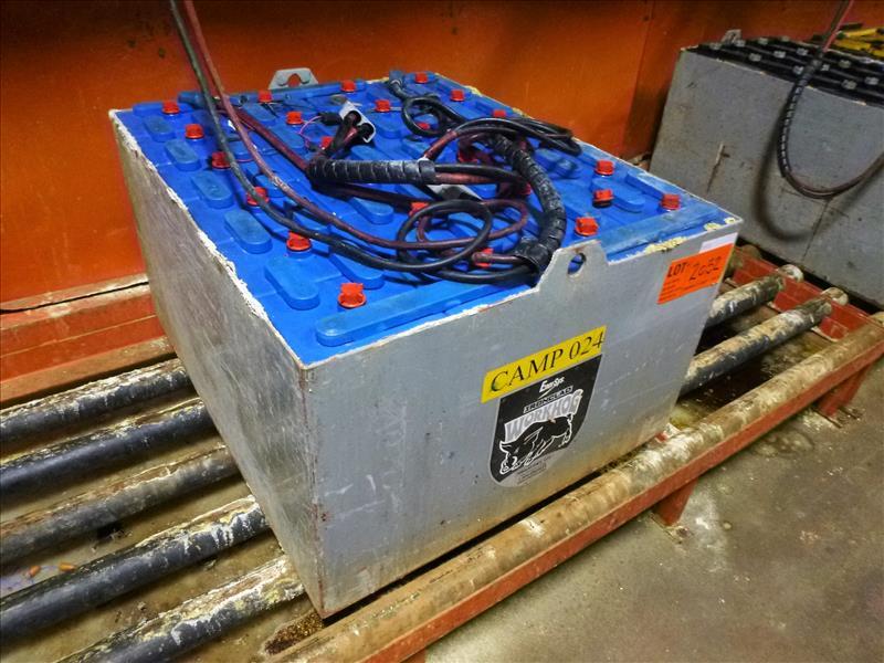 EnerSys WorkHog lift truck battery, type E90-19, 48V [Material Handling]