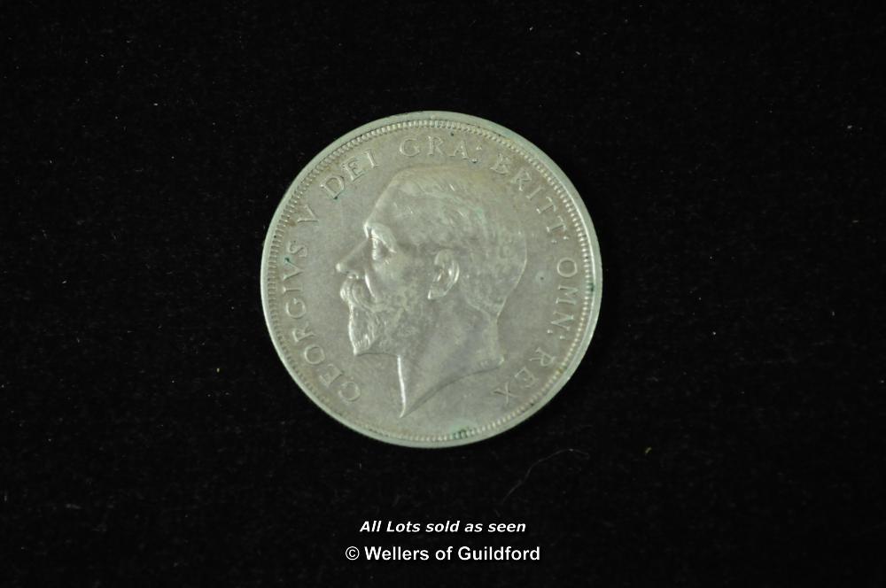 "Lot 7078 - George V ""wreath"" silver crown, 1929, head left, rev.date above crown (S.4036), 4994 specimens"