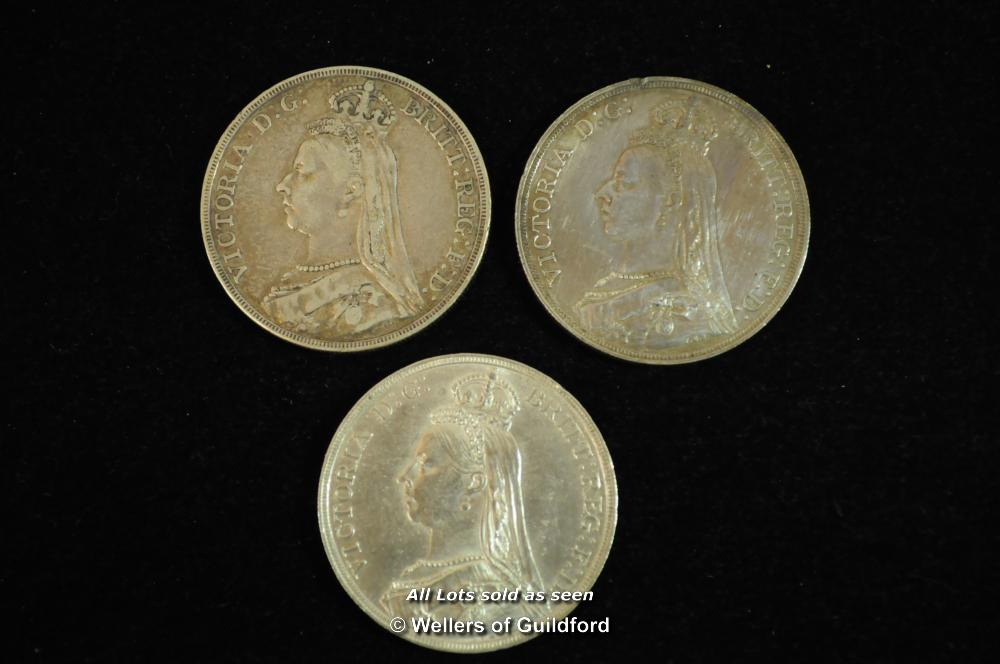 Lot 7082 - Victoria, Jubilee coinage, silver crowns (3), 1887, very fine; 1889, fine; 1890, nearly extremely