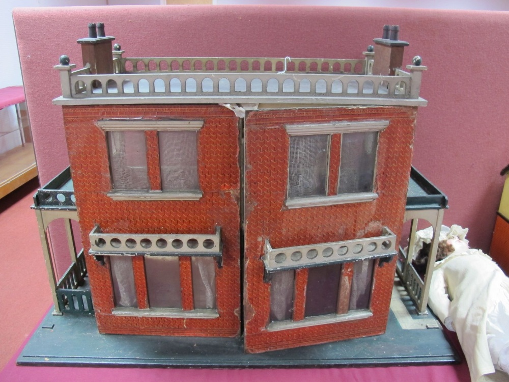 Lot 8 - A Substantial Late XIX Century/Early XX Century Double Fronted Dolls House, in the form of a