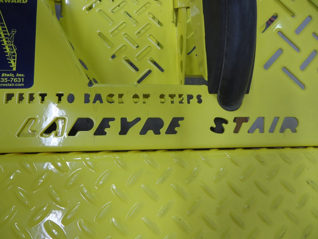 Set of Lapeyre Cross Over Stairs - Image 2 of 7