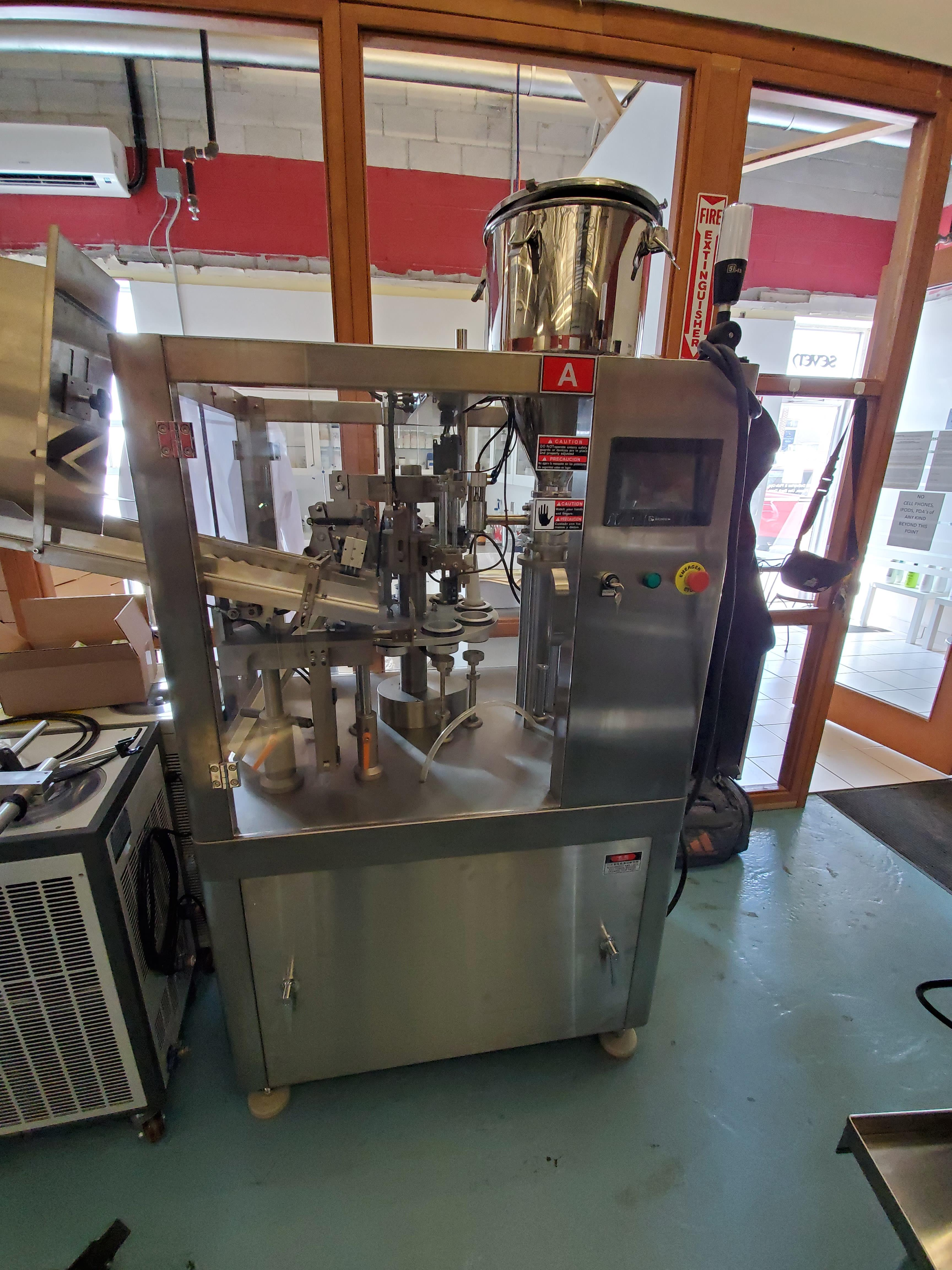 Chasing 8 Station Automatic Plastic Tube Filler w/ Hot Air Seal