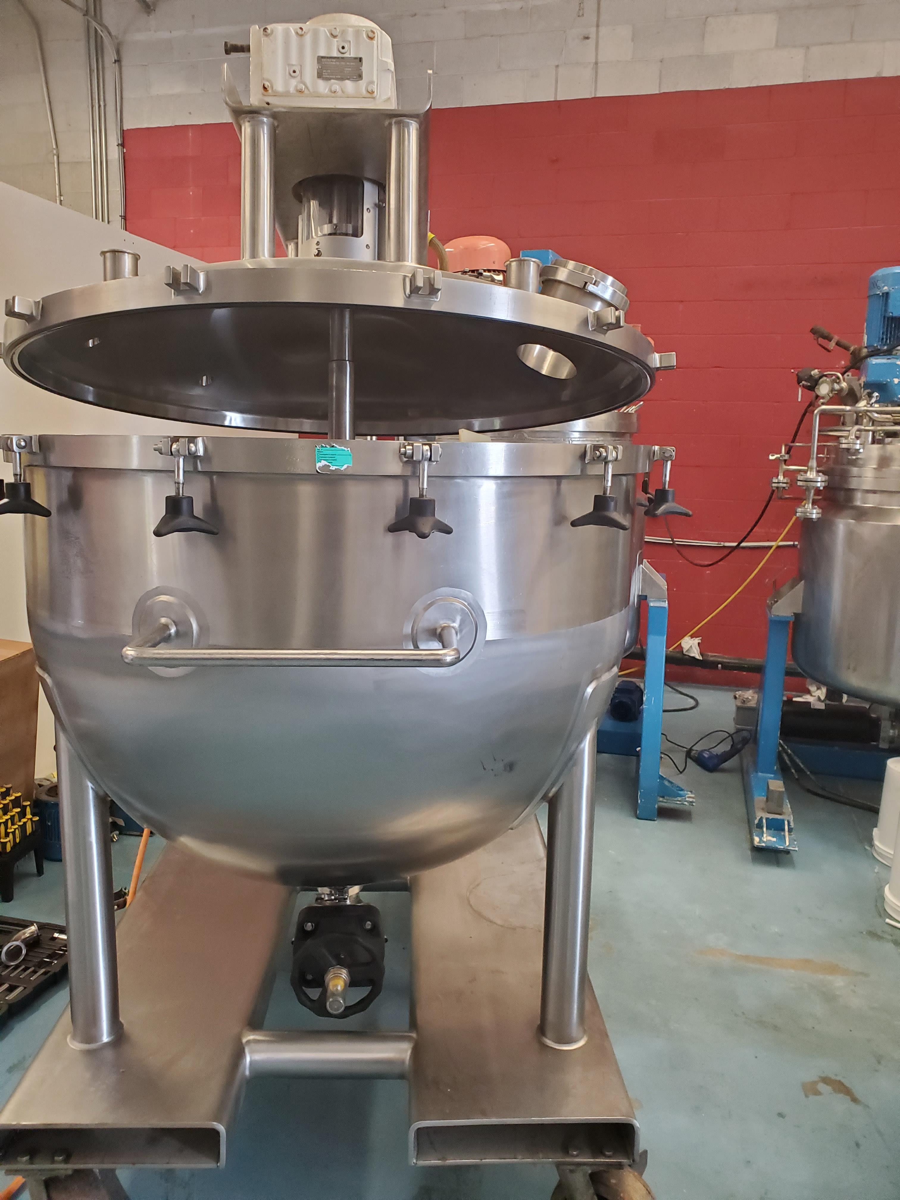 Lee 200 Gallon Stainless Steel Kettle with scrap agitation
