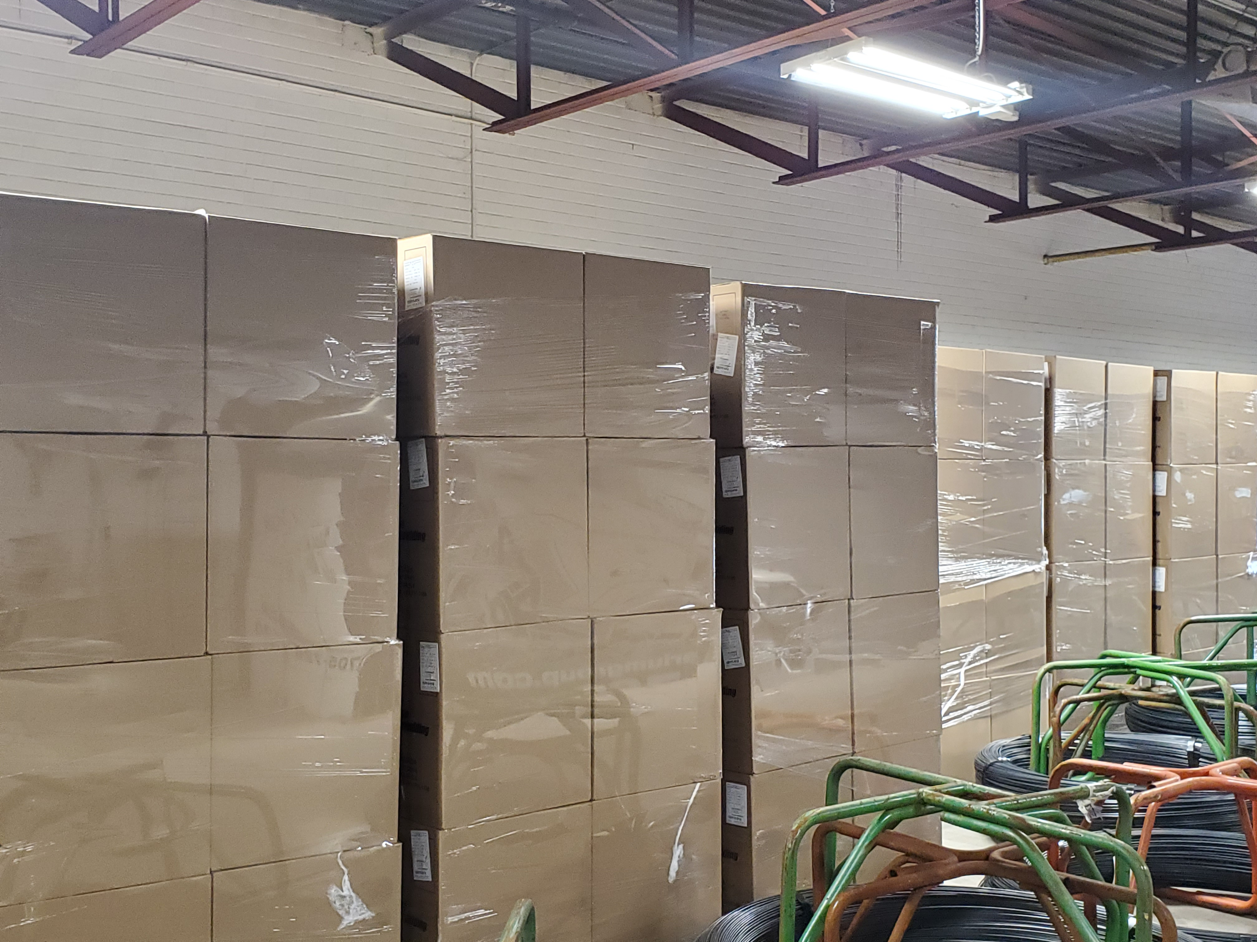25,000 HDPE Bottles, NATURAL, NEW, 24/410 Neck, 16oz Boston Round **See Auctioneers Note** - Image 3 of 6