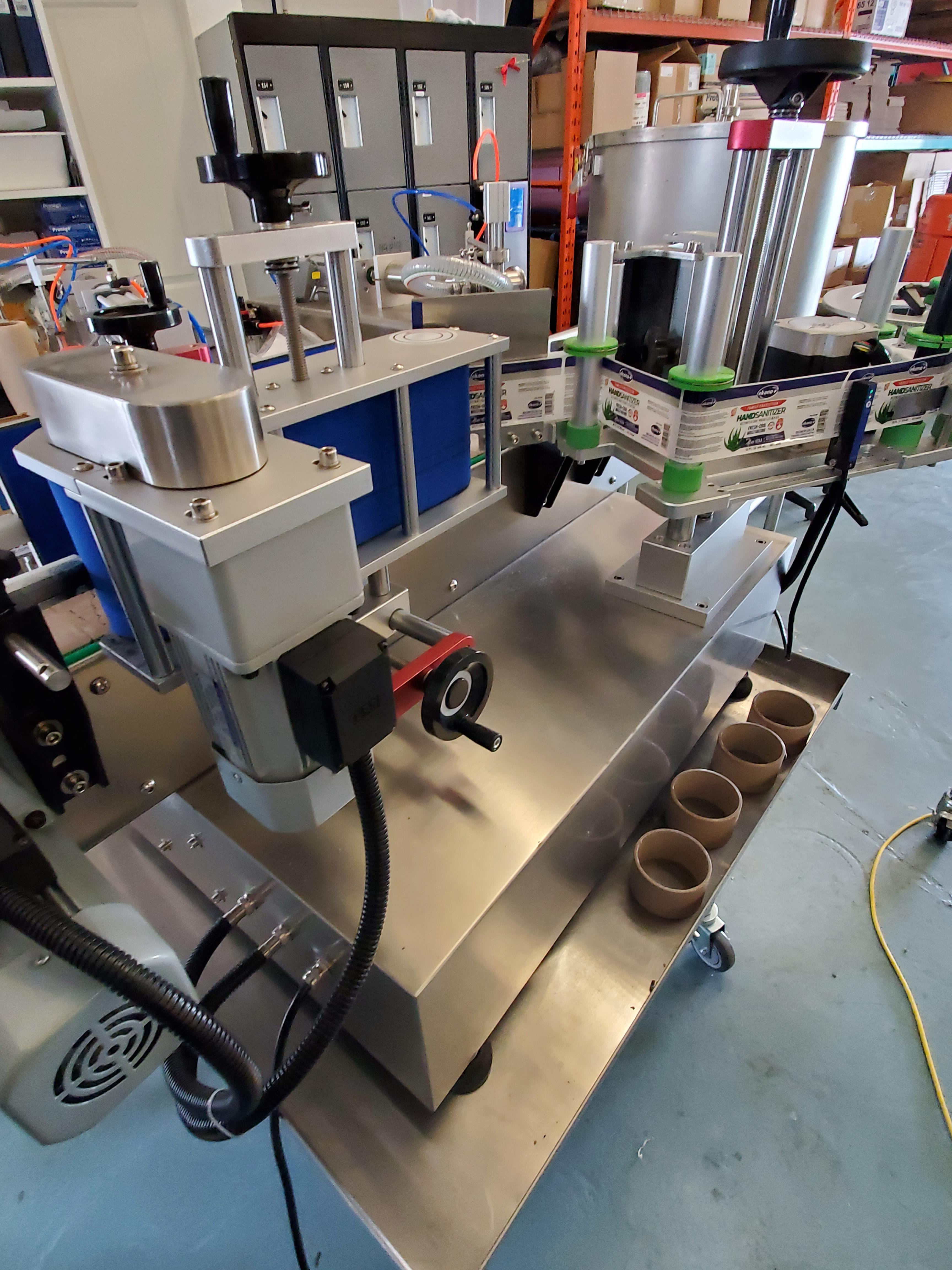 AM-300LM High Speed Pressure Sensitive wrap around labeler - Table Top Model - Image 2 of 5