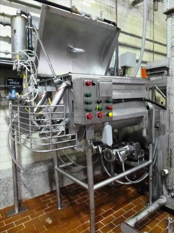 dual shaft ribbon vacuum blender electric drive c/w lid and platform & vacuum pump