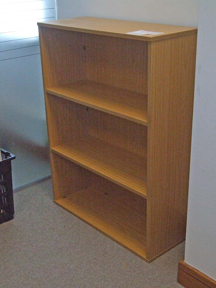 Lot 26 - 2 Bookcases each 800 wide