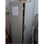LOT: 2-DOOR CABINET, c/w CONTENTS