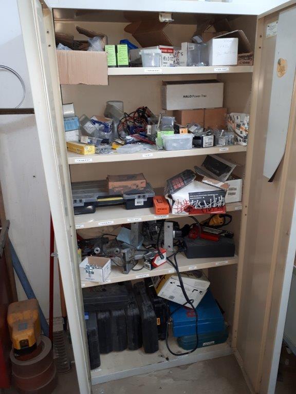 LOT: 2-DOOR CABINET, c/w CONTENTS - Image 2 of 3