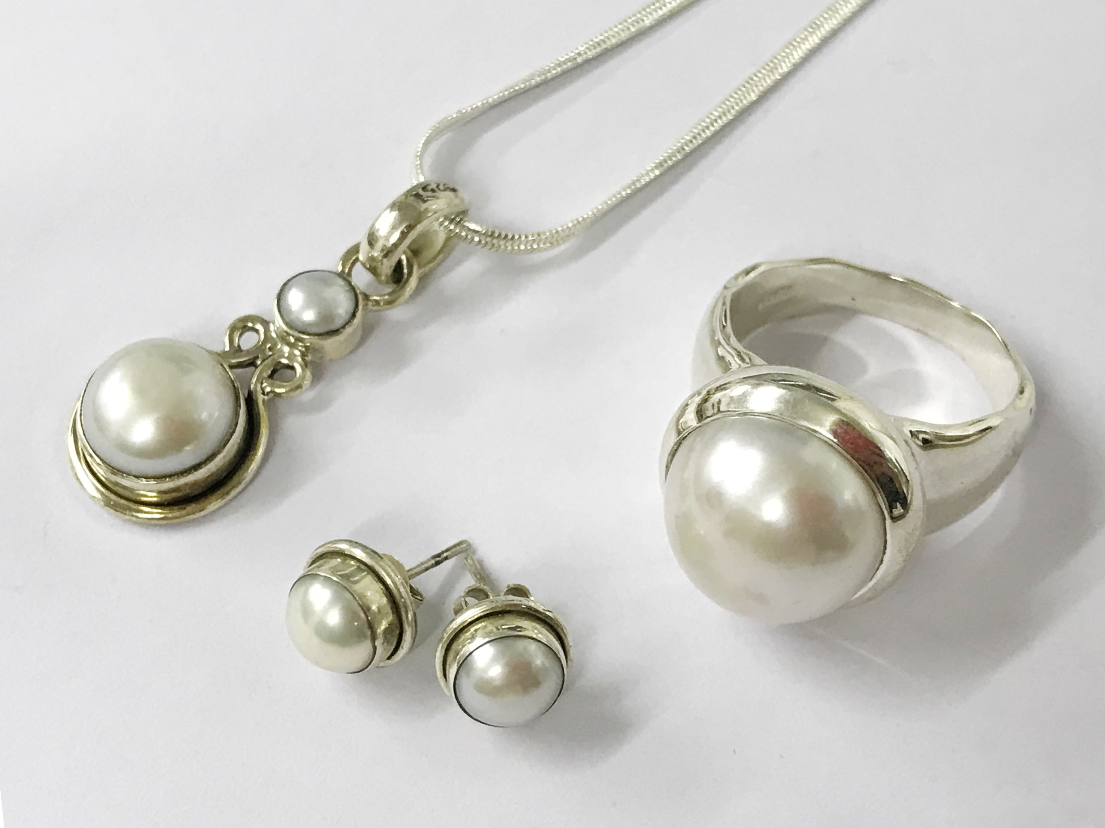 Lot 45 - sterling silver south sea pearl mixed lot