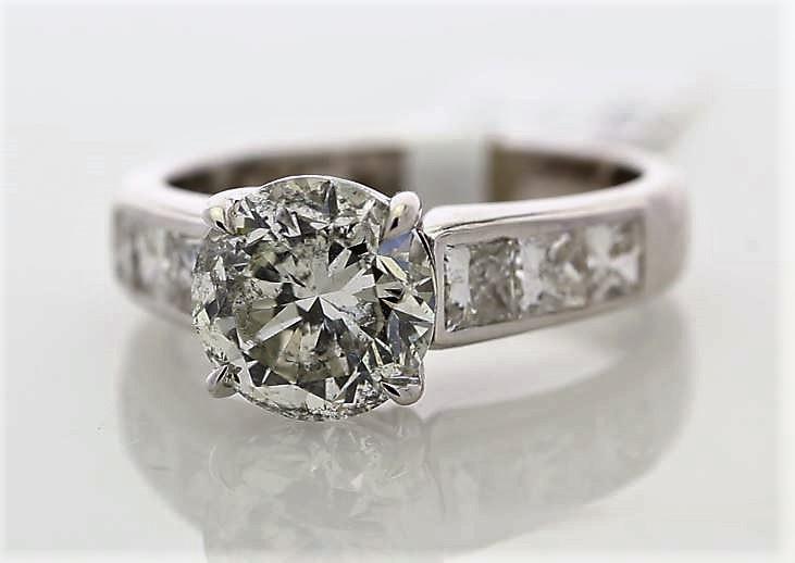 Lot 9 - 18ct White Gold Single Stone Prong Set With Stone Set Shoulders Diamond Ring 3.96