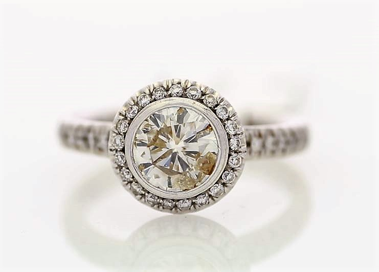 Lot 33 - 18ct White Gold Single Stone With Halo Setting Ring 1.39